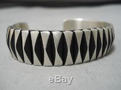 Exquisite Vintage Navajo Sterling Silver Native American Bracelet