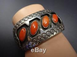 Signed CHEE Vintage NAVAJO Sterling Silver & CORAL Shadowbox Cuff BRACELET