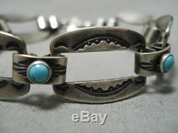 Unique Vintage Navajo Pretty Blue Turquoise Sterling Silver Bracelet
