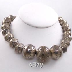 VTG Sterling Silver Native American Heavy Bench Bead Navajo Pearl Necklace LDC13