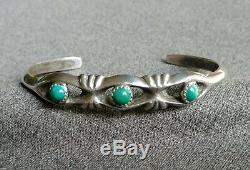 Vintage Native American Navajo Turquoise Sterling Silver Sandcast Cuff Bracelet