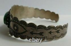 Vintage Navajo Indian Eyes & Arrows Silver Turquoise Scalloped Cuff Bracelet