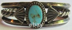 Vintage Navajo Indian Handsome Design Weighty Silver Turquoise Cuff Bracelet